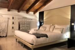 Suite Gold 13
